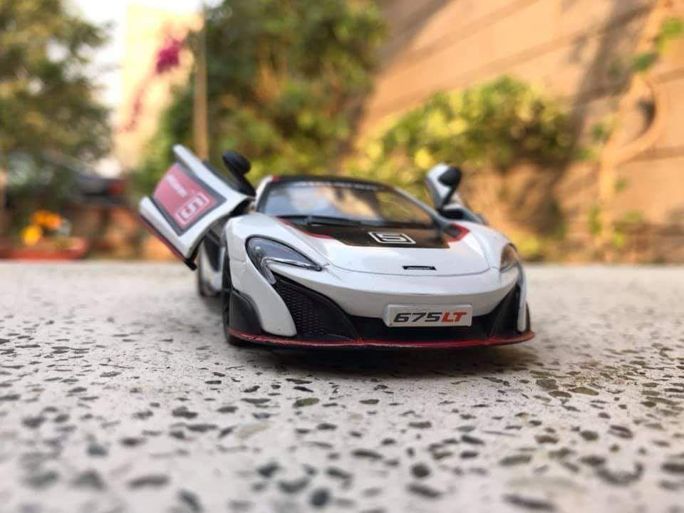 McLaren 675LT Kinsmart Diecast model 1/36 scale