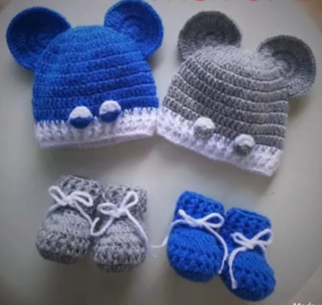 BABY SHOES AND CAP/ BABY ACCESORIES / BABY WINTER SETS / BABY DRESSING/ GIRLS SHOES