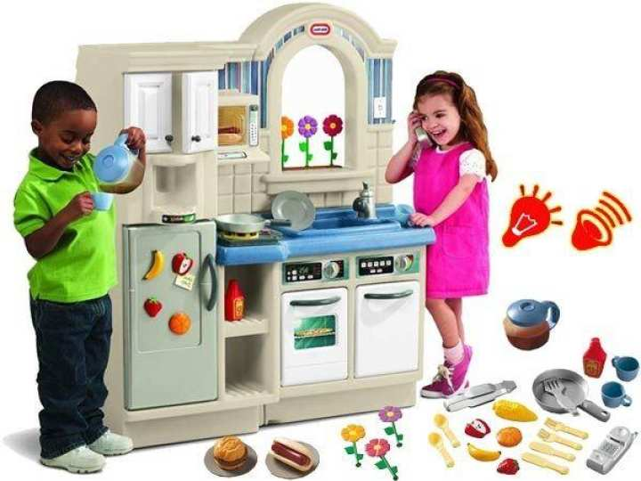 Little Tikes Inside/Outside CooknGrill Kitchen with Cleaning Glove
