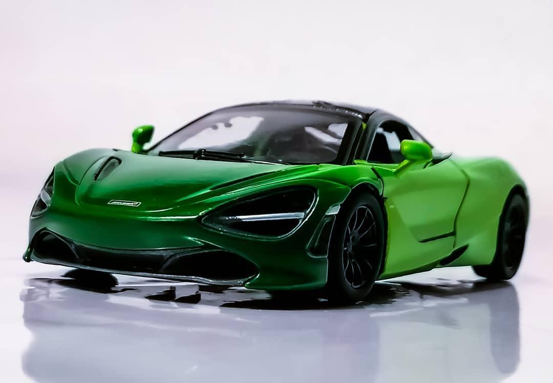 Kinsmart McLaren 720s MSO 1:36 DieCast Model Toy Car Collectible