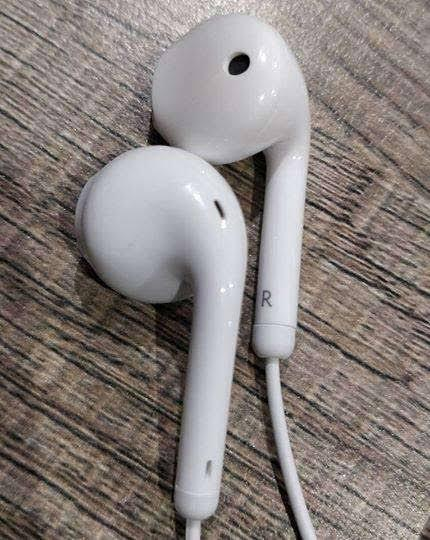 Gionee Universal Handfree Imported Branded ,Stereo Bass Light Weight