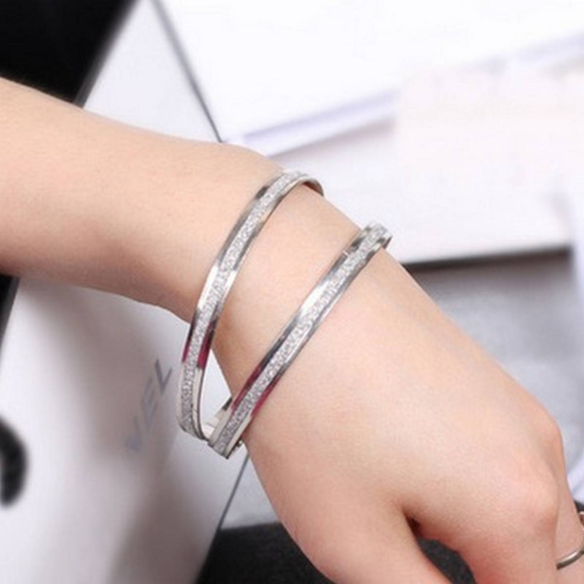 2 pc Frosted Charm Fashion Bangle Bracelet For Women - New Arrivals