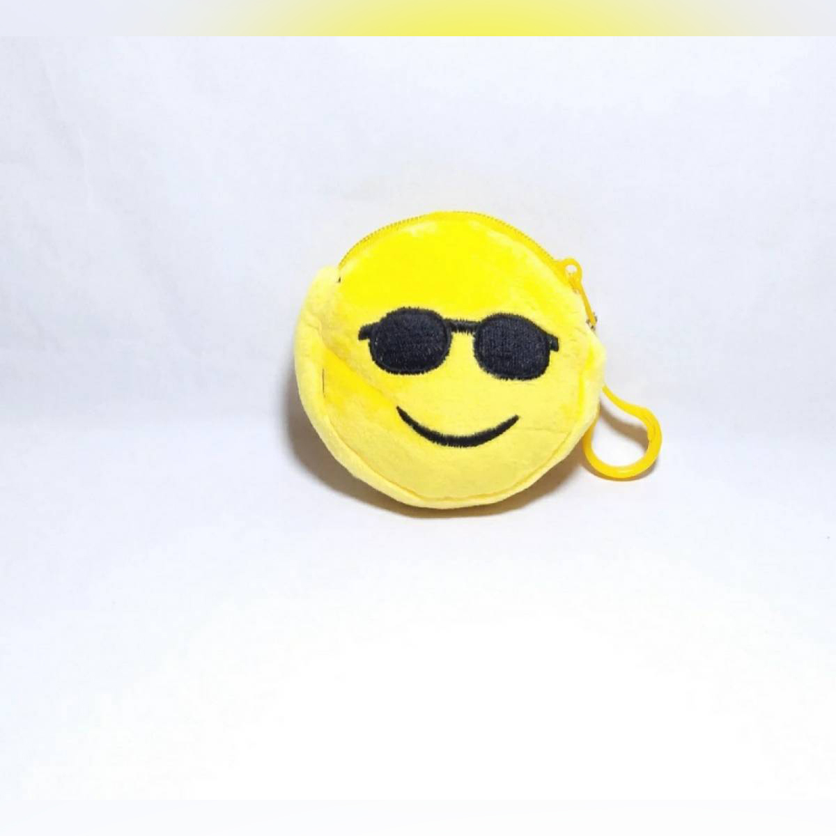 High quality material  3D Emoji  Hanging huck  Hang on begs purse mobile covers  Best gift item