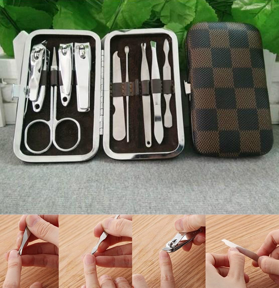 9 Pcs Stainless Steel Manicure Pedicure Set Nail Clippers - 9 Pcs Fingernails Kit - Nail Manicure Set Kit Pedicure Scissor Tuser - Grooming Set Nail Care Set Nail Art Kits Gifts for Her Gifts for Him - Travel Grooming Case With Leather Case