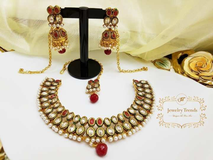 Maroon and Green Beautiful Jewelry Set With Polki Addition Statement