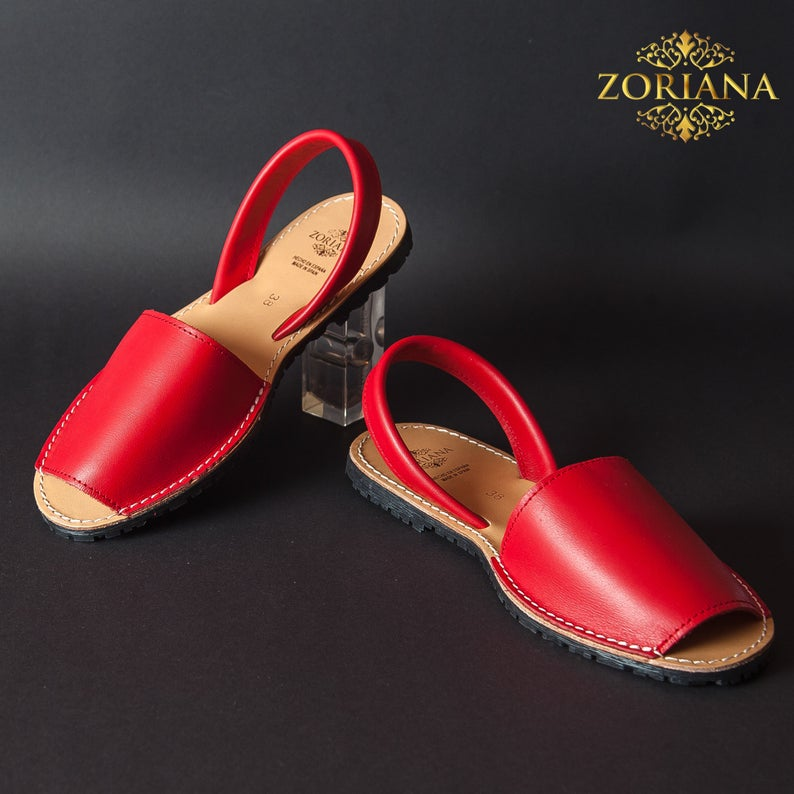 Women fashion wedding and party wear flat summer sandals/ office and college wear sandals/ new arrival 2021