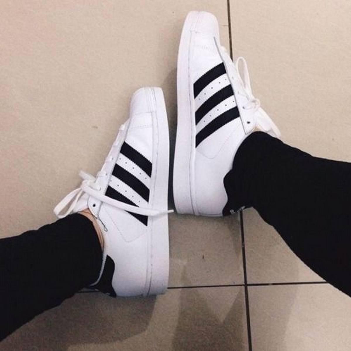 Fabulous sneaker designs for casual girls