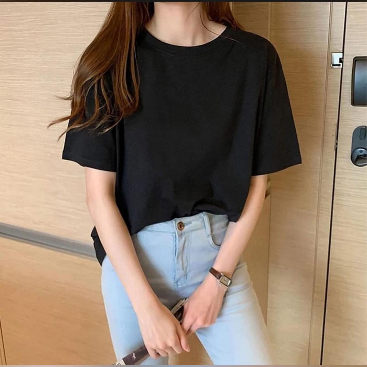 DD Black Round Neck Half Sleeves Plan T Shirt For Girls Women and Ladies
