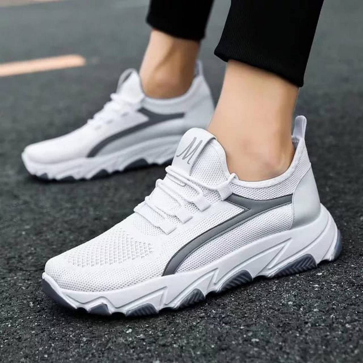 Hot Sale Sneakers Fly Knitted Beautifull Men's and Woman's Sports Shoes