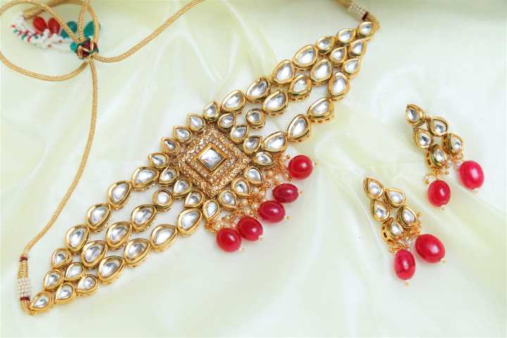 Indian Kundan Chokkar Set in Red Stones And Micro AAA + Tiny Cubic Zircons Mounted On It..!