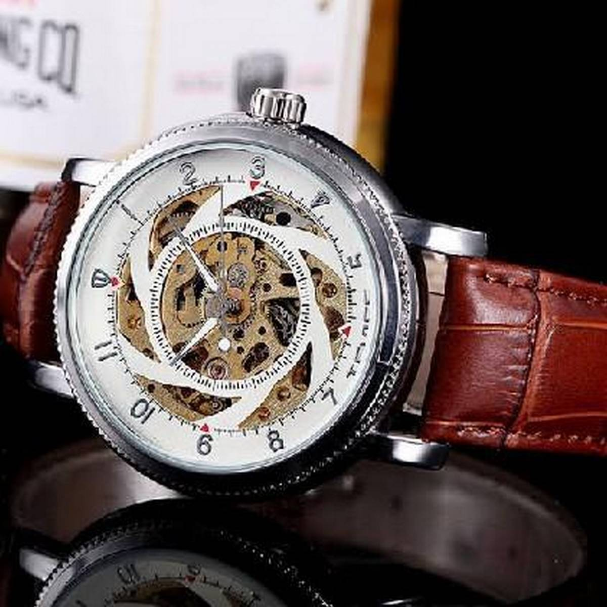 Analog Stylish For Men Mechanism Casual Wrist Watch.