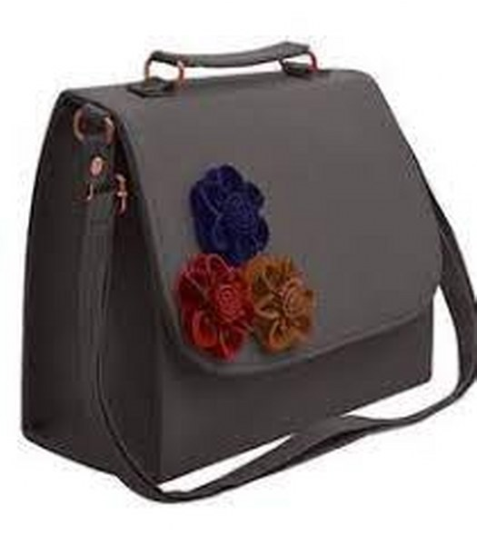 HAND BAG WITH SPECIALL DISSCOUNT