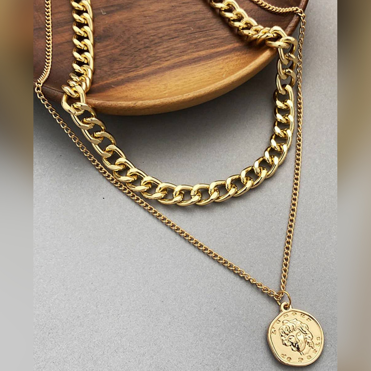 Coin Chain Choker Necklace For Women Multi-layer Gold Color 17KM Vintage Fashion Portrait Chunky Chain Necklaces Jewelry for Girls