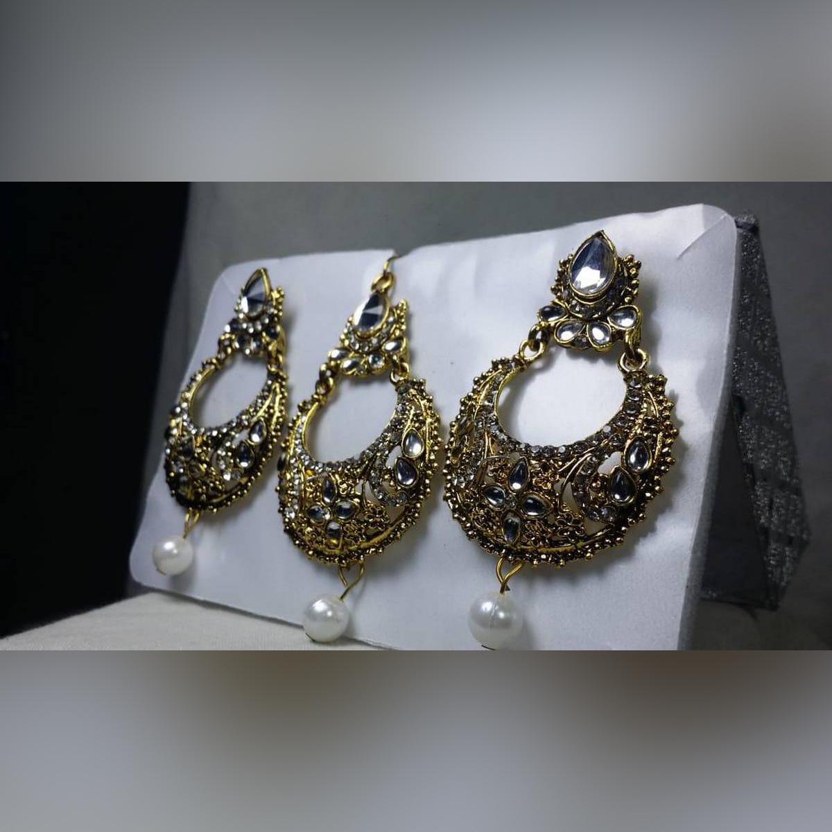Trendy & Imported Bridal / Wedding Tika & Earrings Set For Girls & Women
