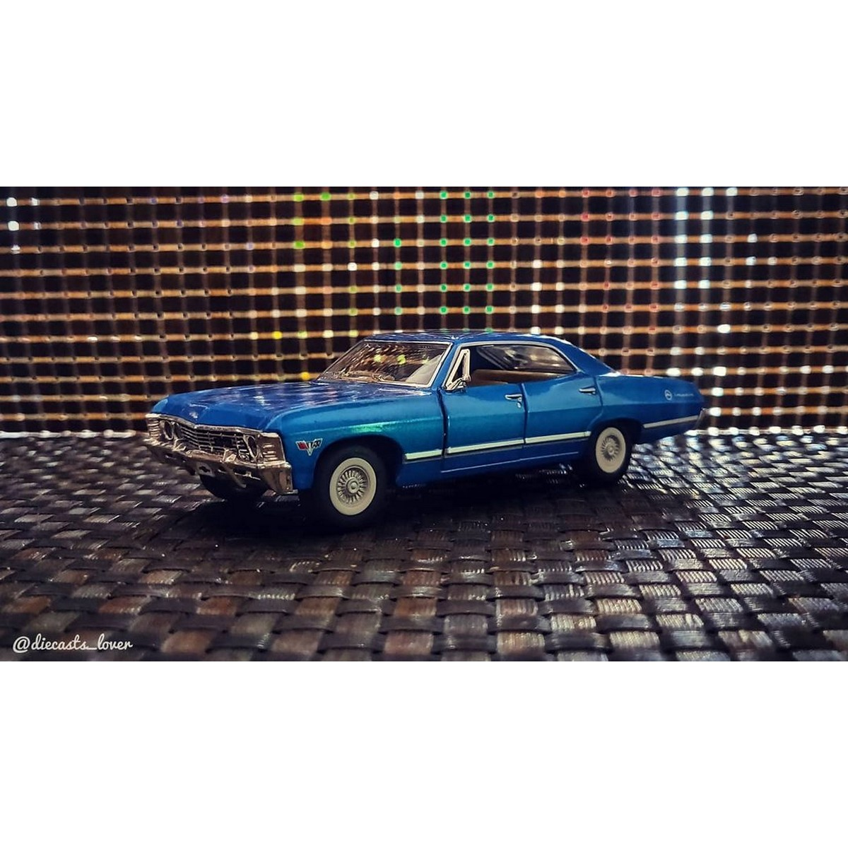 Kinsmart 1967 Chevrolet Impala Scale 1:43 diecast - 5 inches