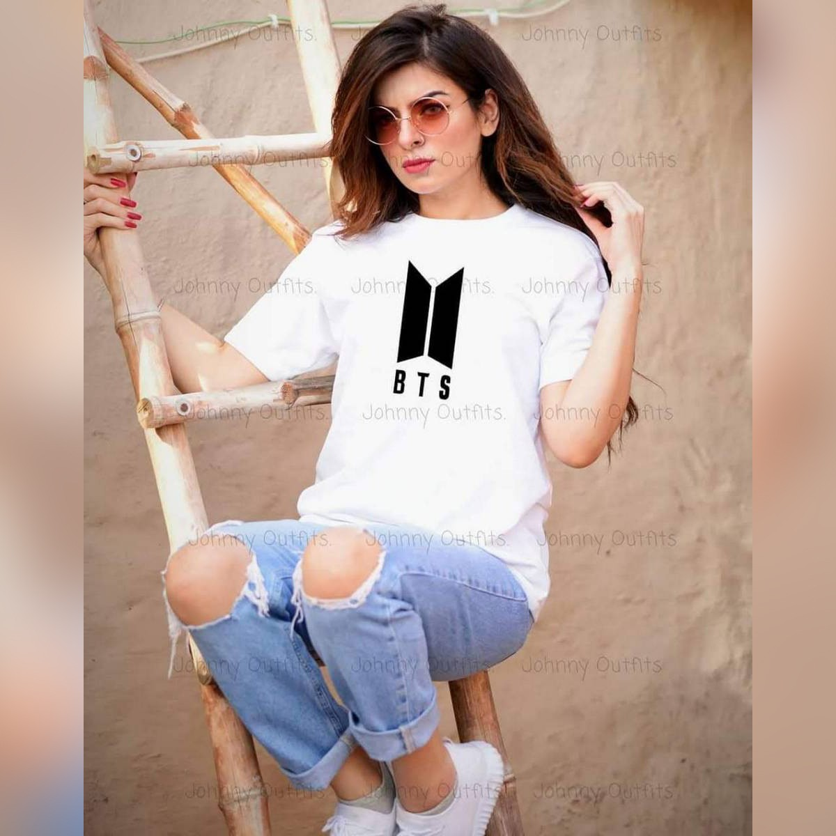 T Shirt in white color ,stylish new print (BTS) tee shirt ,round neck half sleeves shirt for women n girls
