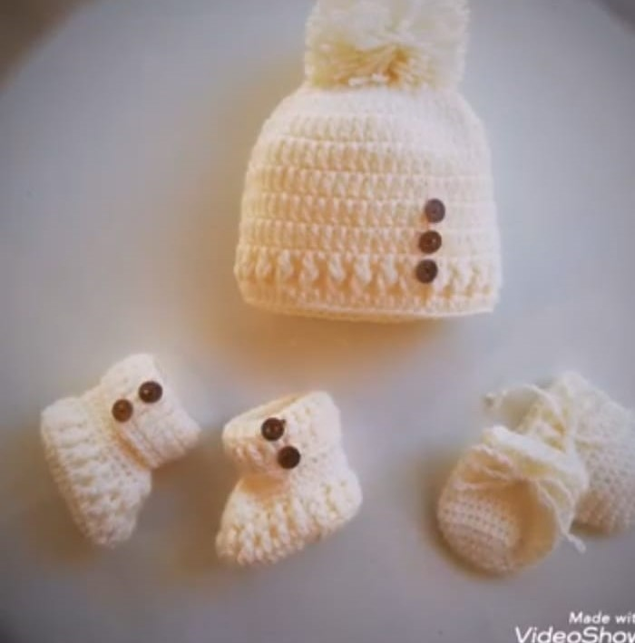crochet shoes and cap for babies/ handmade shoes for baby