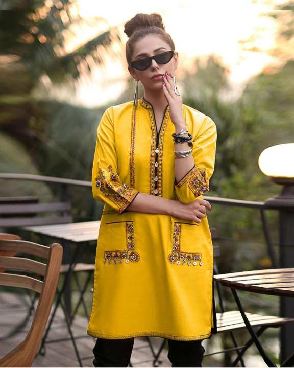 Yellow Rikshaw Embroidered Pocket Traditional Kurti For Women
