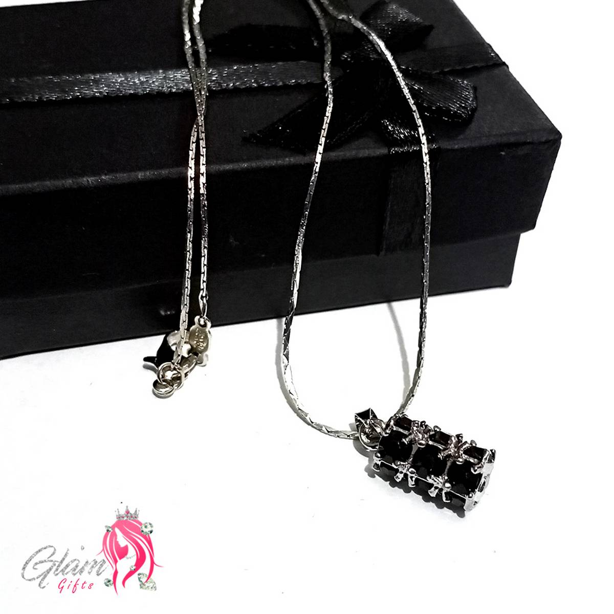 Elegant Black Pendant Necklace with  Gift Box for Girls,women,Friends