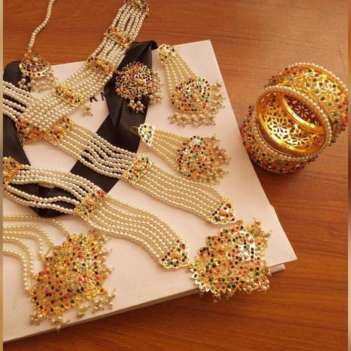 - High quality bridal set with bangles 1 year you can use in party long lasting polish famous design for women