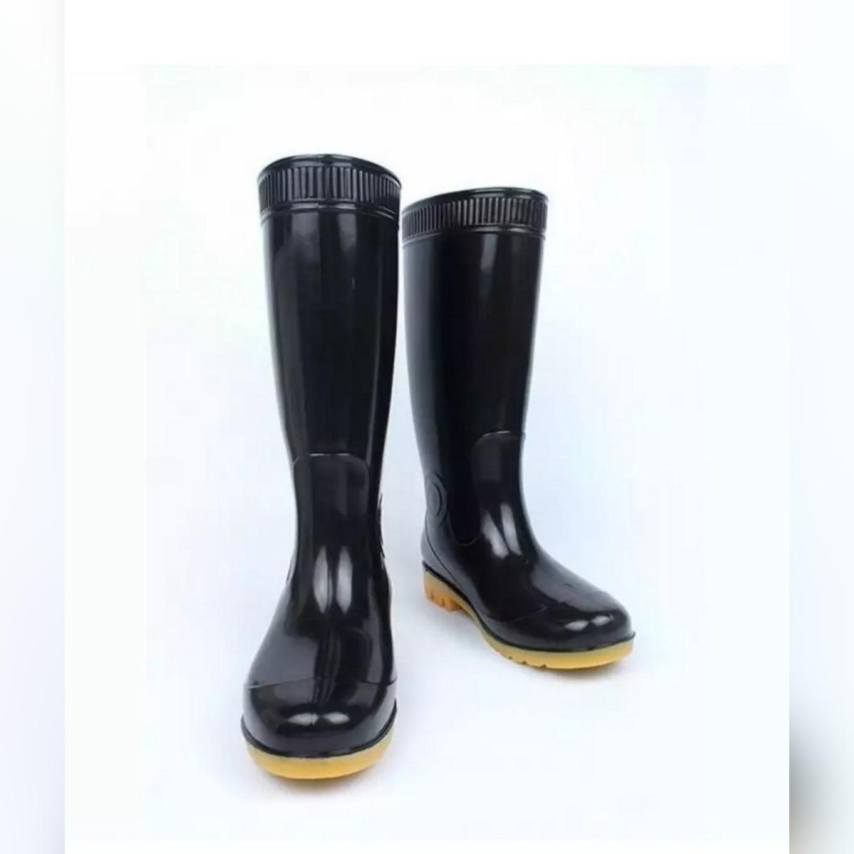 ONE PAIR BLACK RUBBER RAIN BOOTS FOR MEN&WOMEN