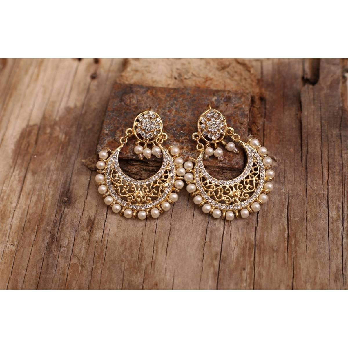 Golden Manjoos Earings For Woomen