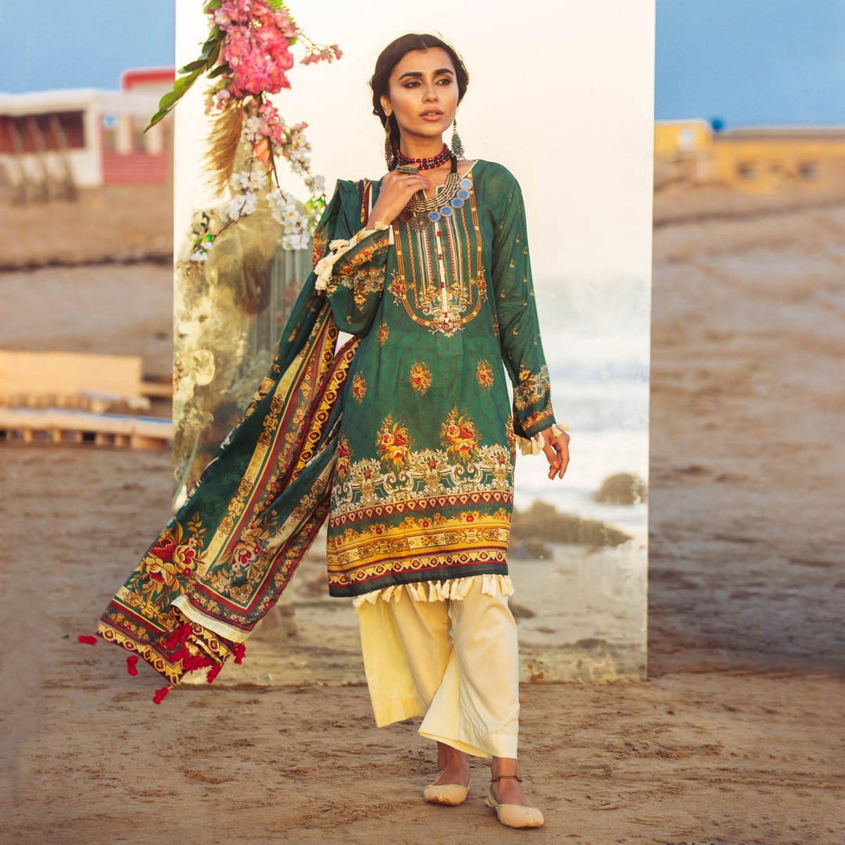 Maahru Emerald Blooms- Women's Unstitched 3PC Summer Printed Lawn suit with Dupatta