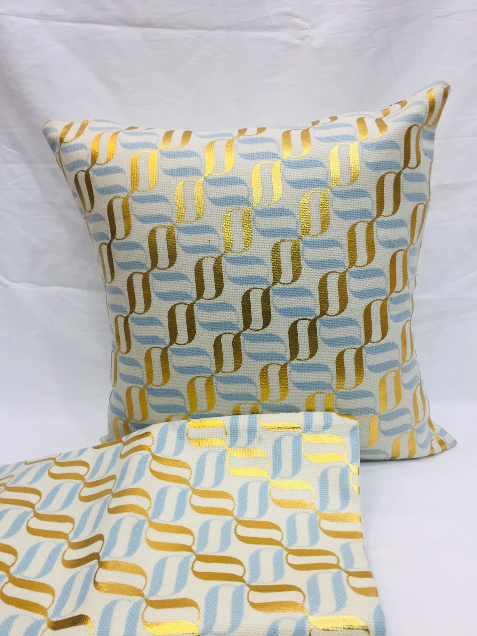 Home Decorative Cushion Covers Gold - 18 x 18 inches