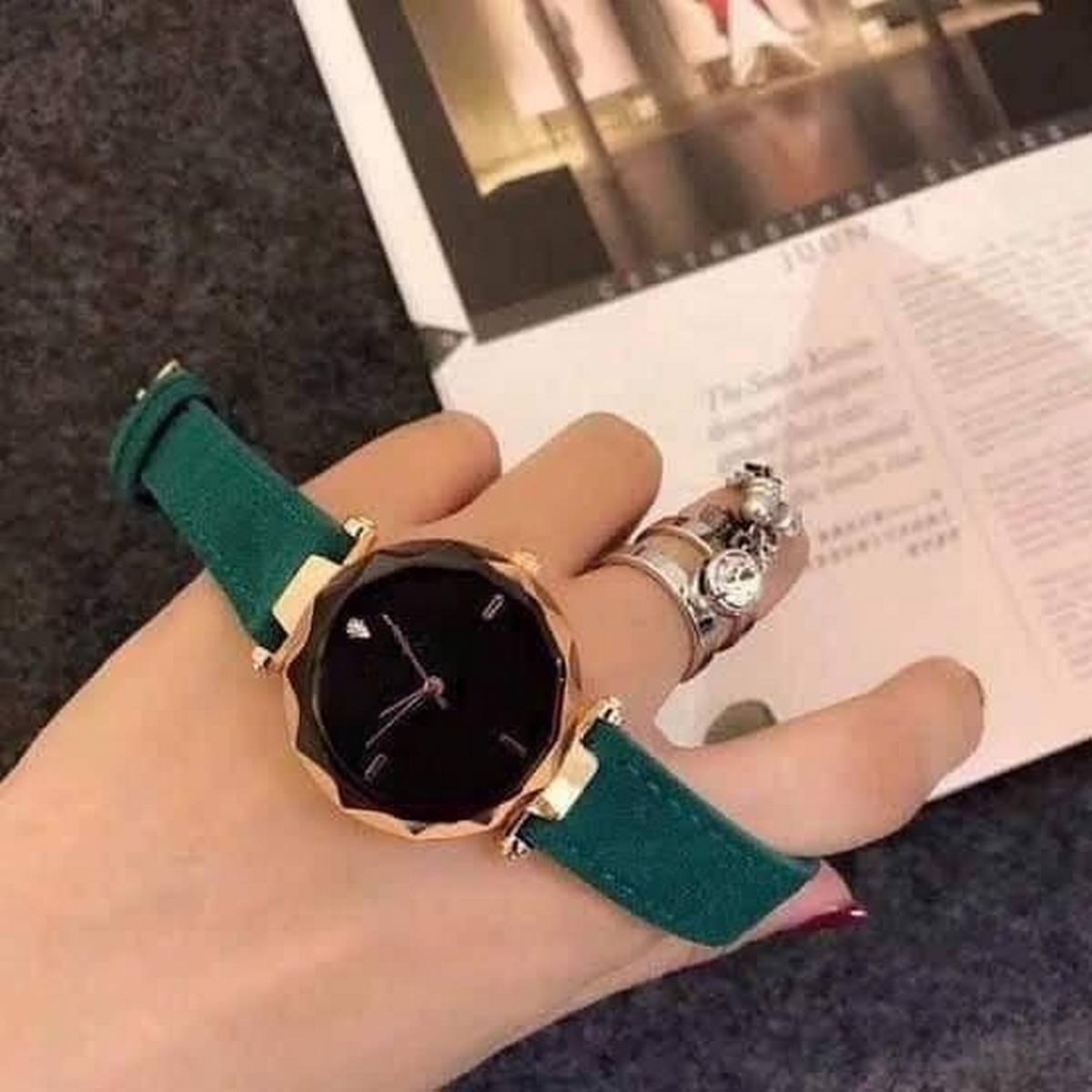 Fashion watch diamond dial leather strip watch