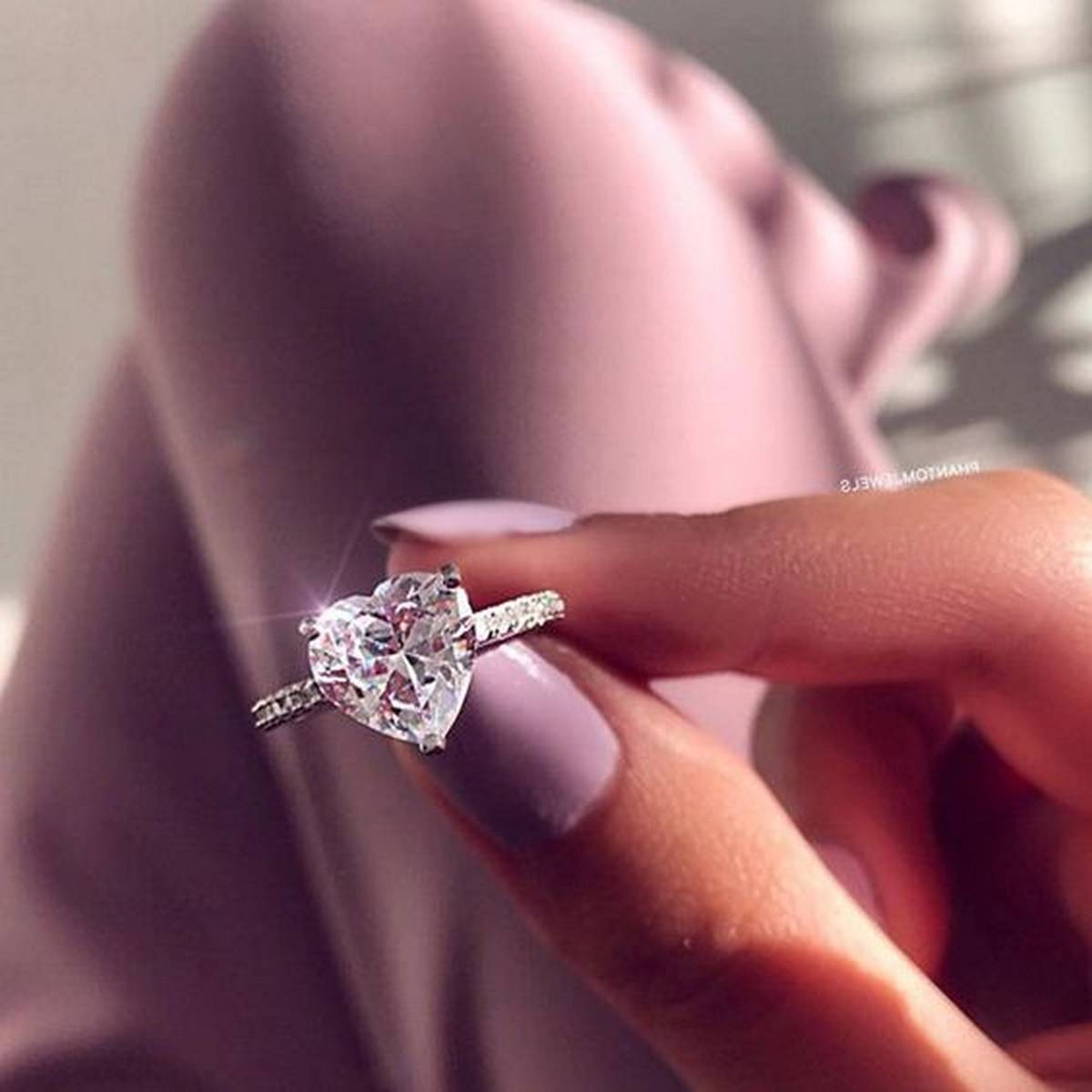 Luxury Ladies Silver Engagement Rings for Women 925 Silver Oval Gemstone Ring for Wedding Jewelry Gifts