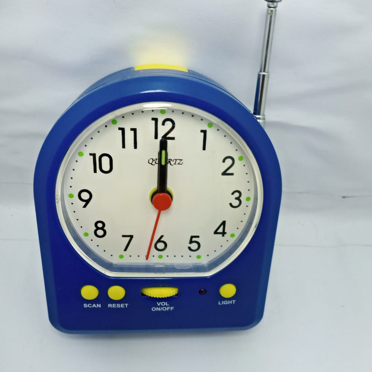 Table Clock - Alarm Clock With FM Radio For Home and Office