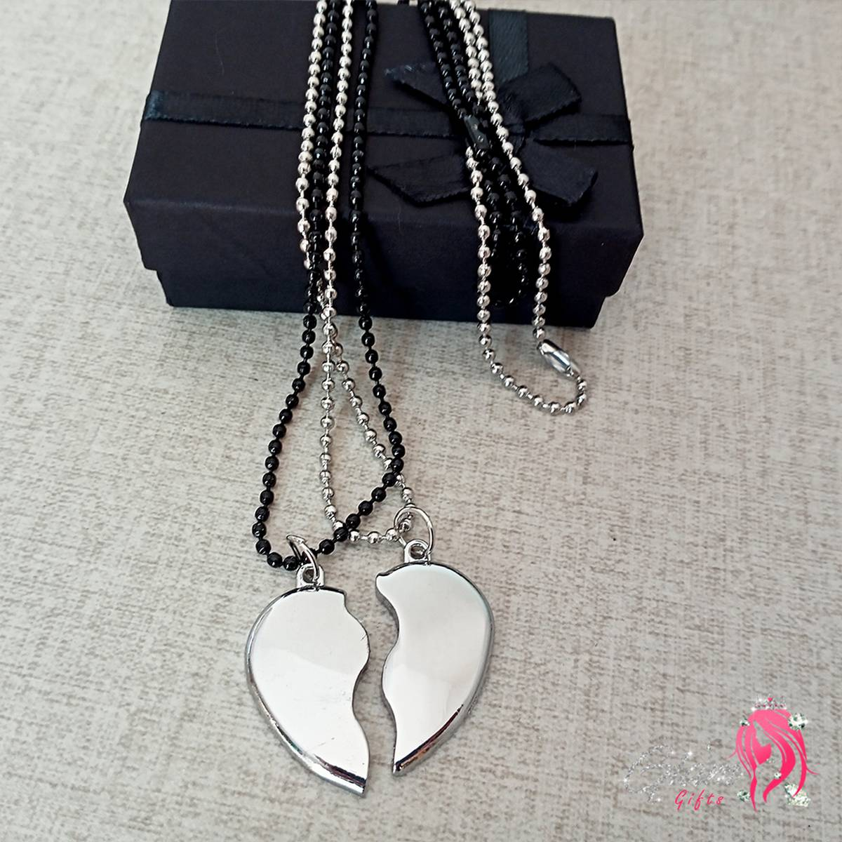 Heavy Metal Magnetic Heart Pendant Necklace gift for Friends Couples Pair of 2 Locket with Gift Box