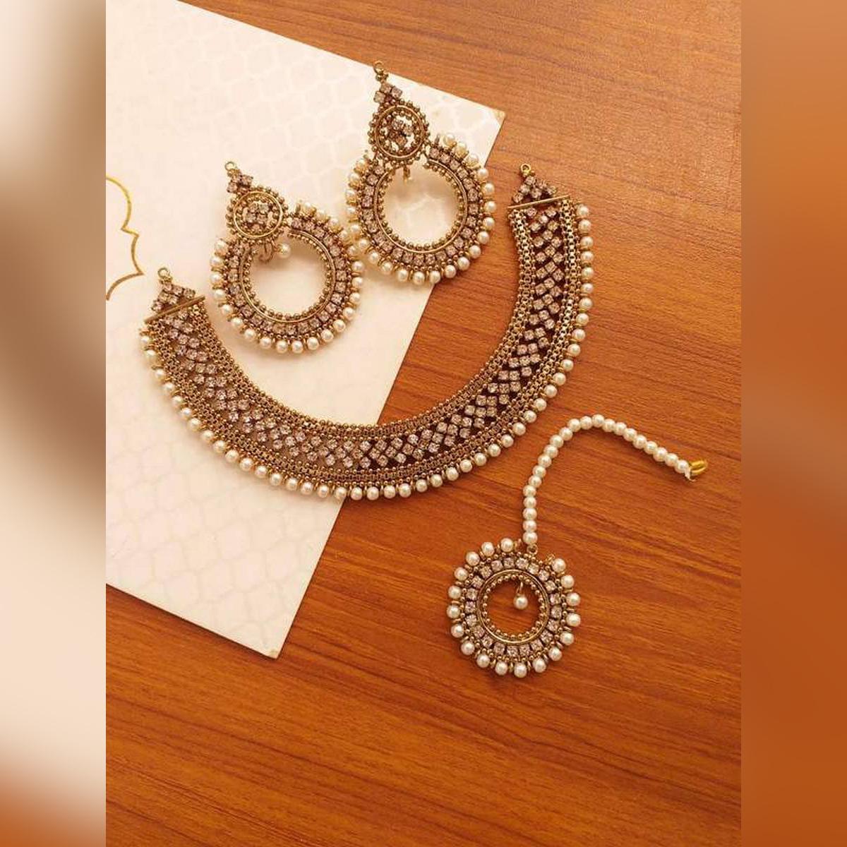 New fashionable stylish design long lasting polish for girls and woman