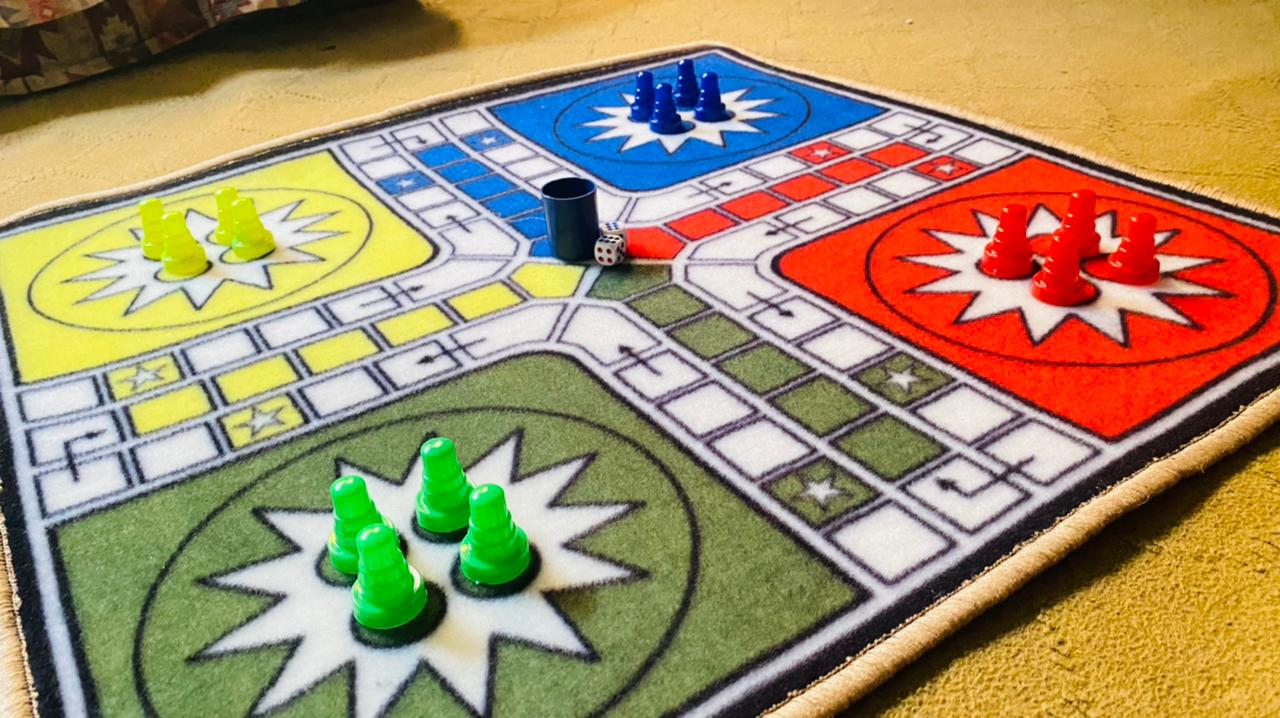 ludo carpate with free Goties and 2 dice