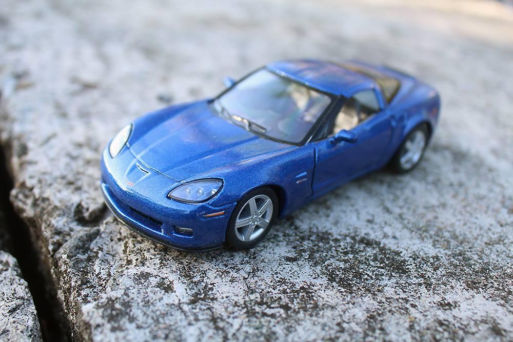 Kinsmart 2007 Corvette Z06 1:36 Scale Diecast Model - 5 inches
