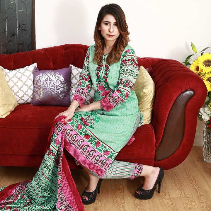 Daraz Lawn 3PC Unstitched Suit For Women Spring Summer Collection 2019