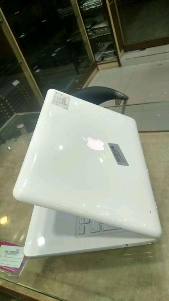 Apple Macbook 1342 13.3 Laptop (intel Core 2 Duo,ddr3 120 Hdd, 4gb Ram, Os Window 10.7 8.1