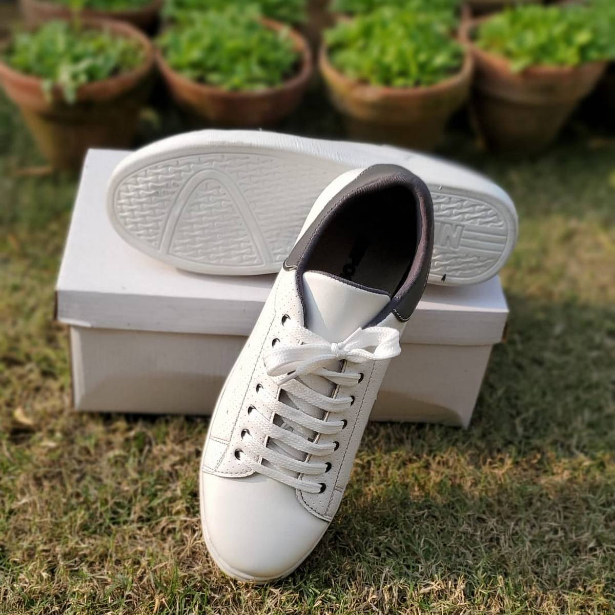 White Importia Fashion Sneakers Lightweight Men Casual Shoes
