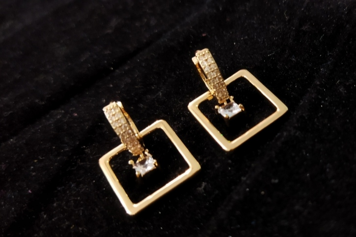 New Elegant Thai Made Beautiful 18 k Gold Plated Earrings for Women Fashion.