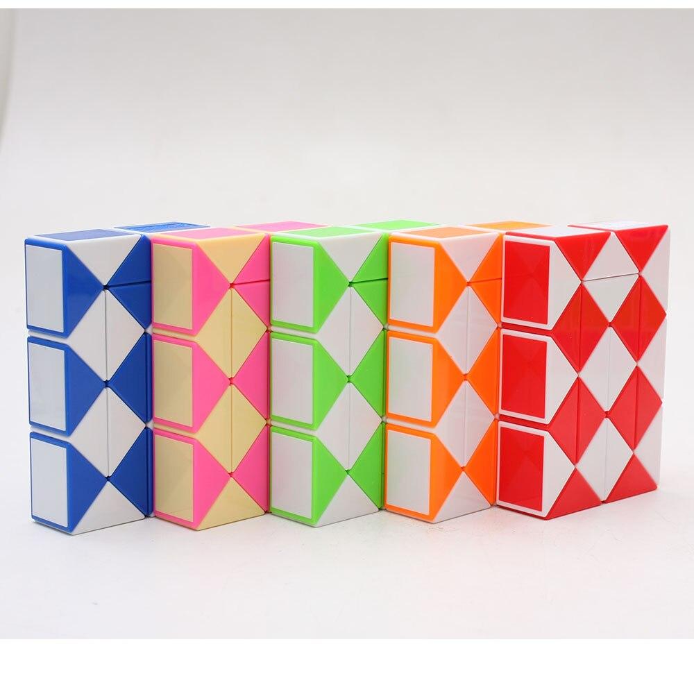 Magic Snake Cube, Mini Plastic Puzzle Cube, Fidget Toys ,Mini Snake Speed Cubes for Kids Party Bag Filler, Random Colors, Party Supplies