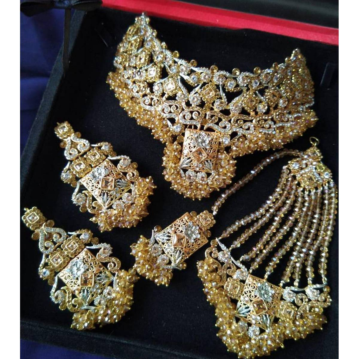 - Set bridel gold plated for women - Fashionable design famous jewellery - Long lasting Polish