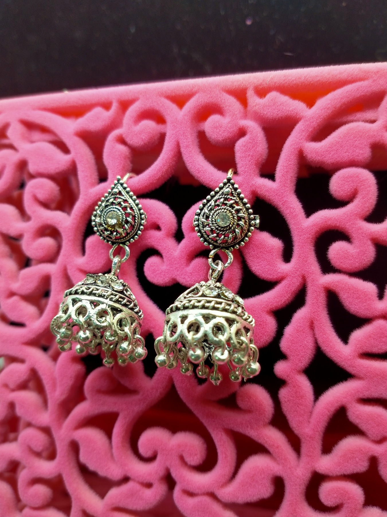 Fashionable and stylish high quality jewelry earings jhumki in different colors