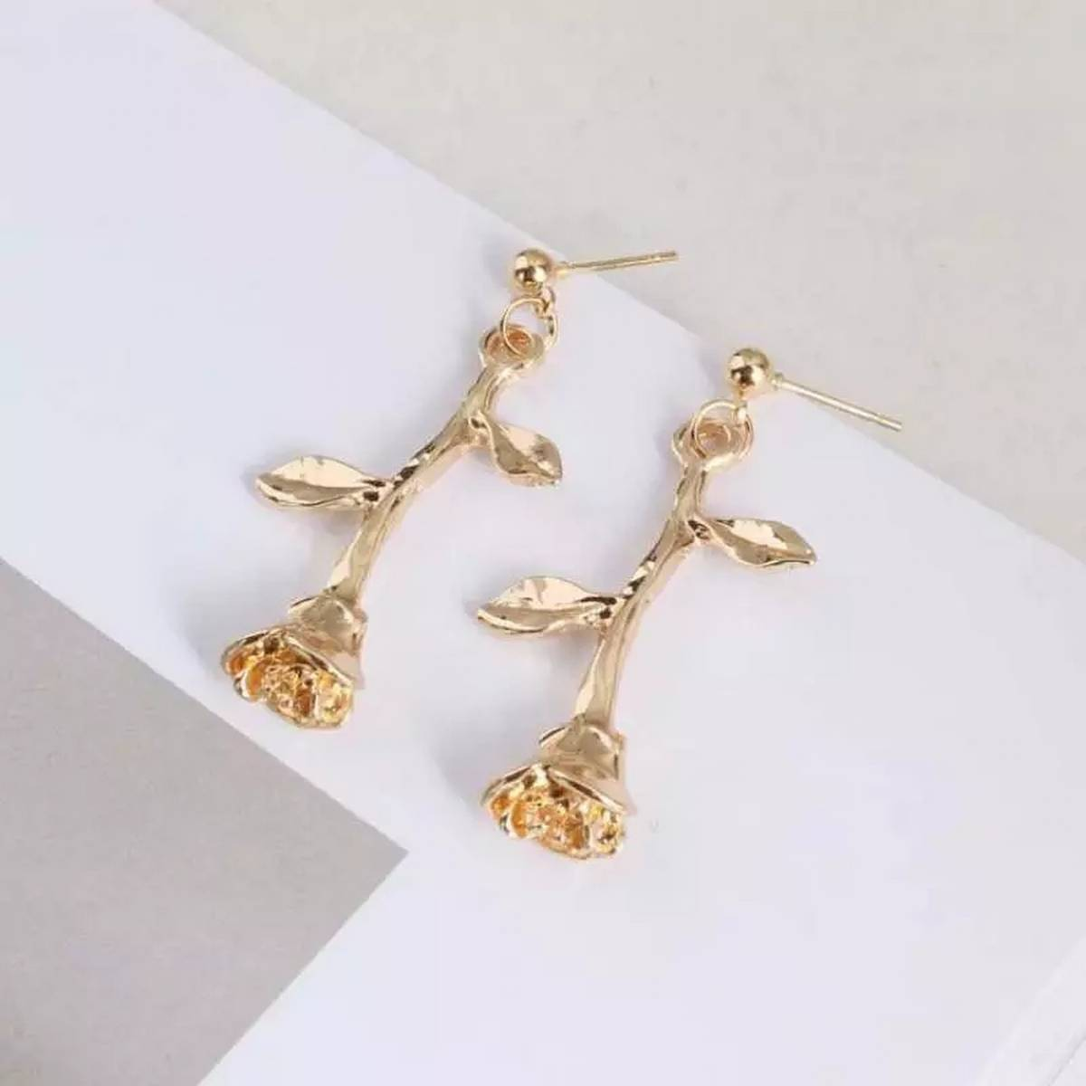 New Fashion Romantic Delicate Rose Flower Earrings Charm Gold Color Rose Jewelry Metal Tree Branches Earrings For Women Girls Gift