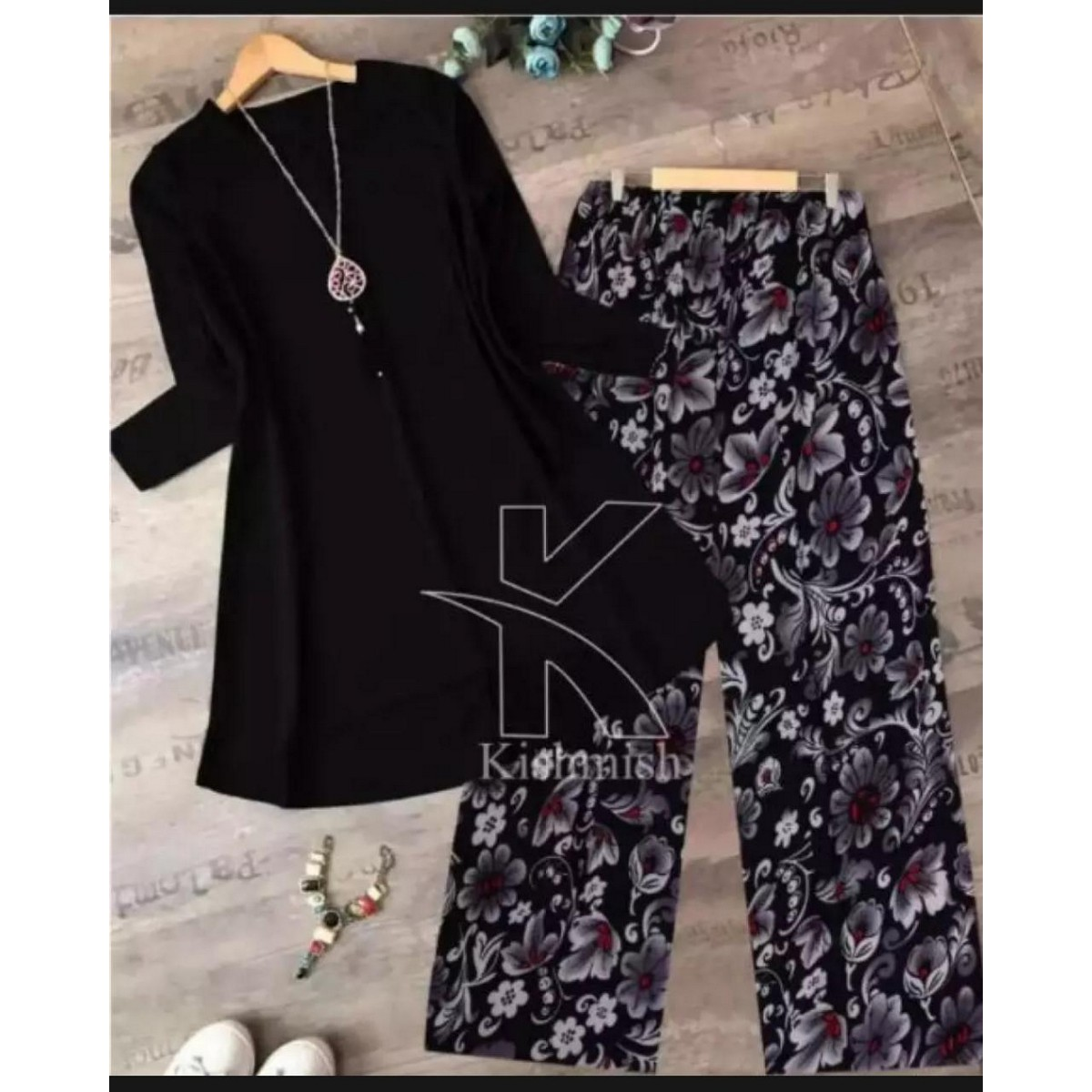 FU new stylish plain kurti and printed trouser for girls and womens