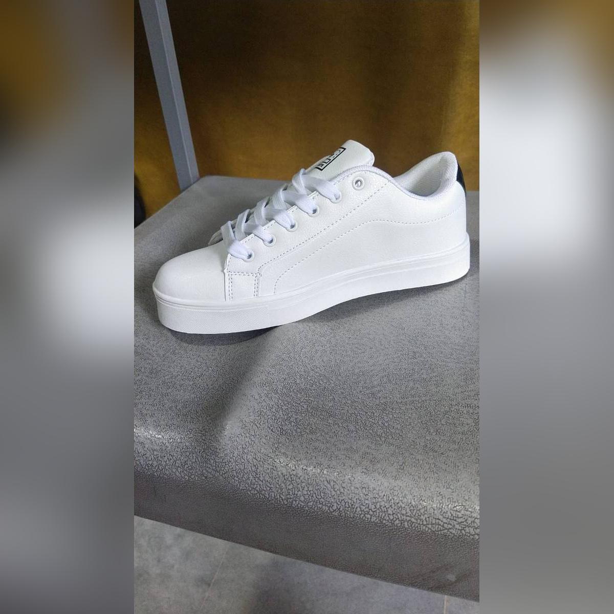 Fashion Men's casual sneaker Shoes