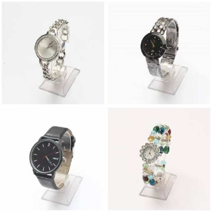 Pack Of 4 ---Ladies Fashion and Leather Watch For Girls & Boys