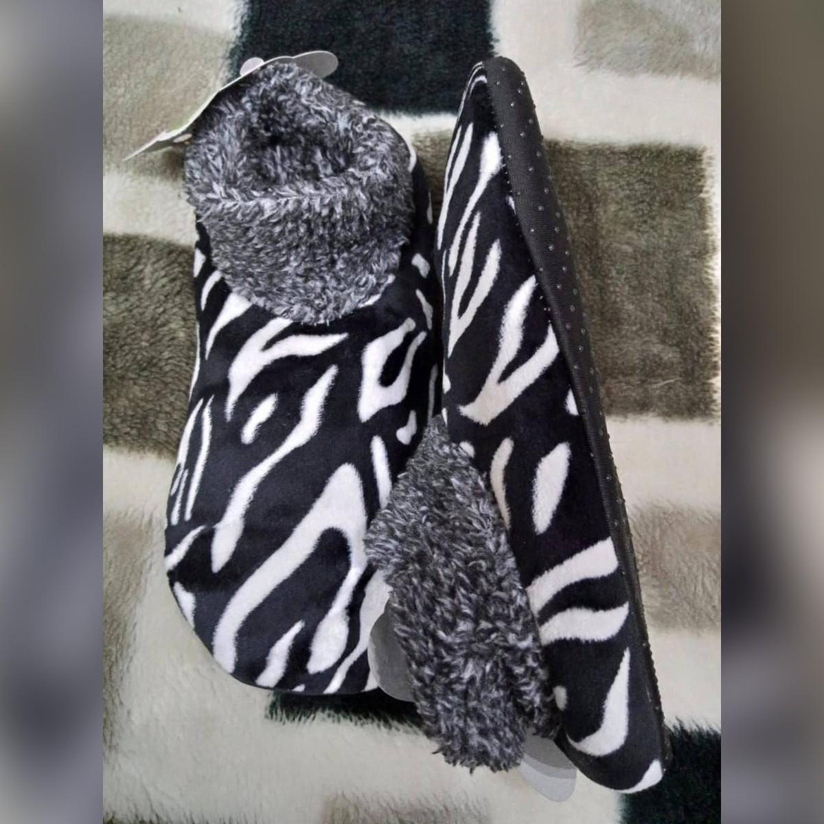 Ladies/Girls Velvet Woolen Carpet Slipper Socks - Soft - Comfortable - Cute Winter warm  Slipper Socks