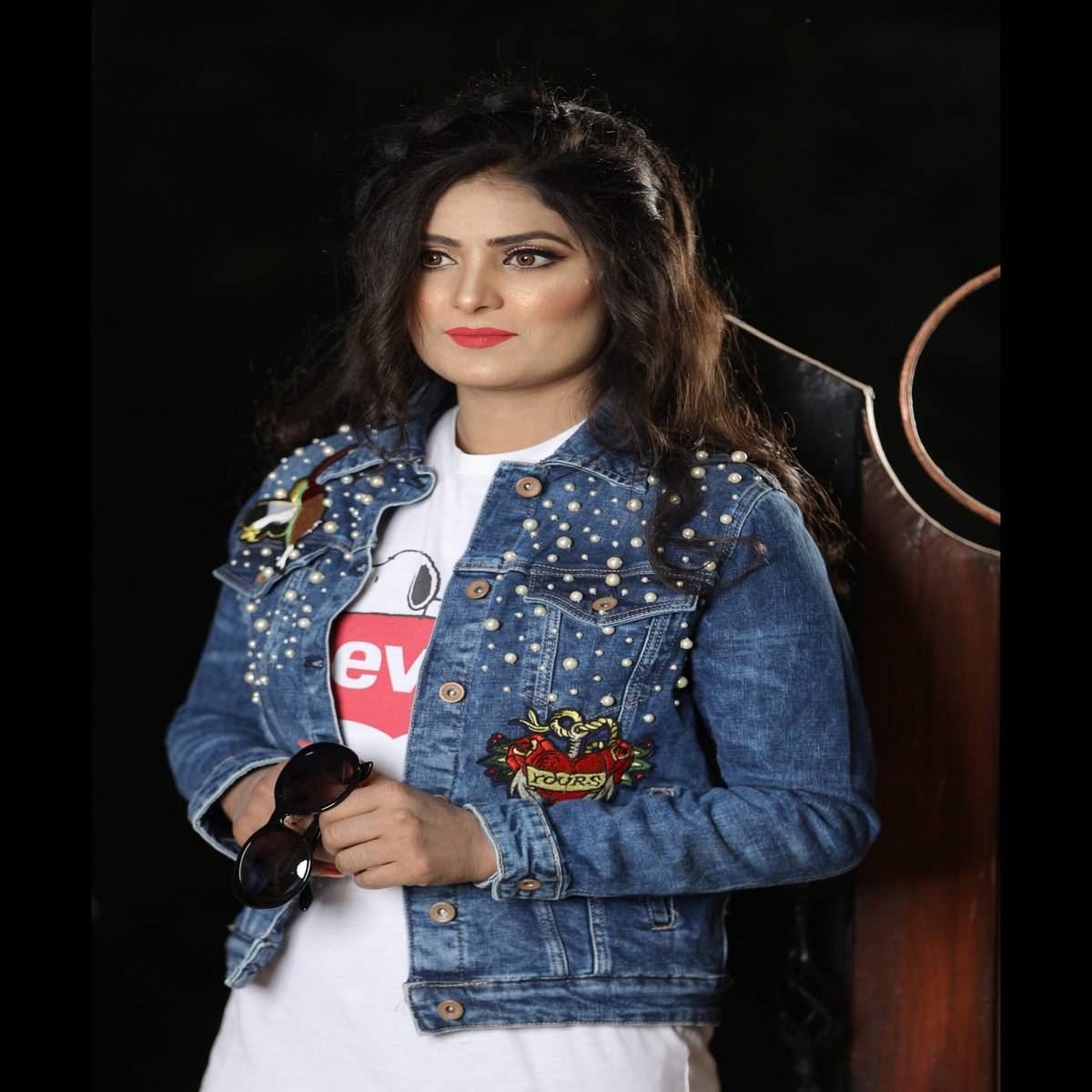 Pearl Decorated Denim Jacket For Women