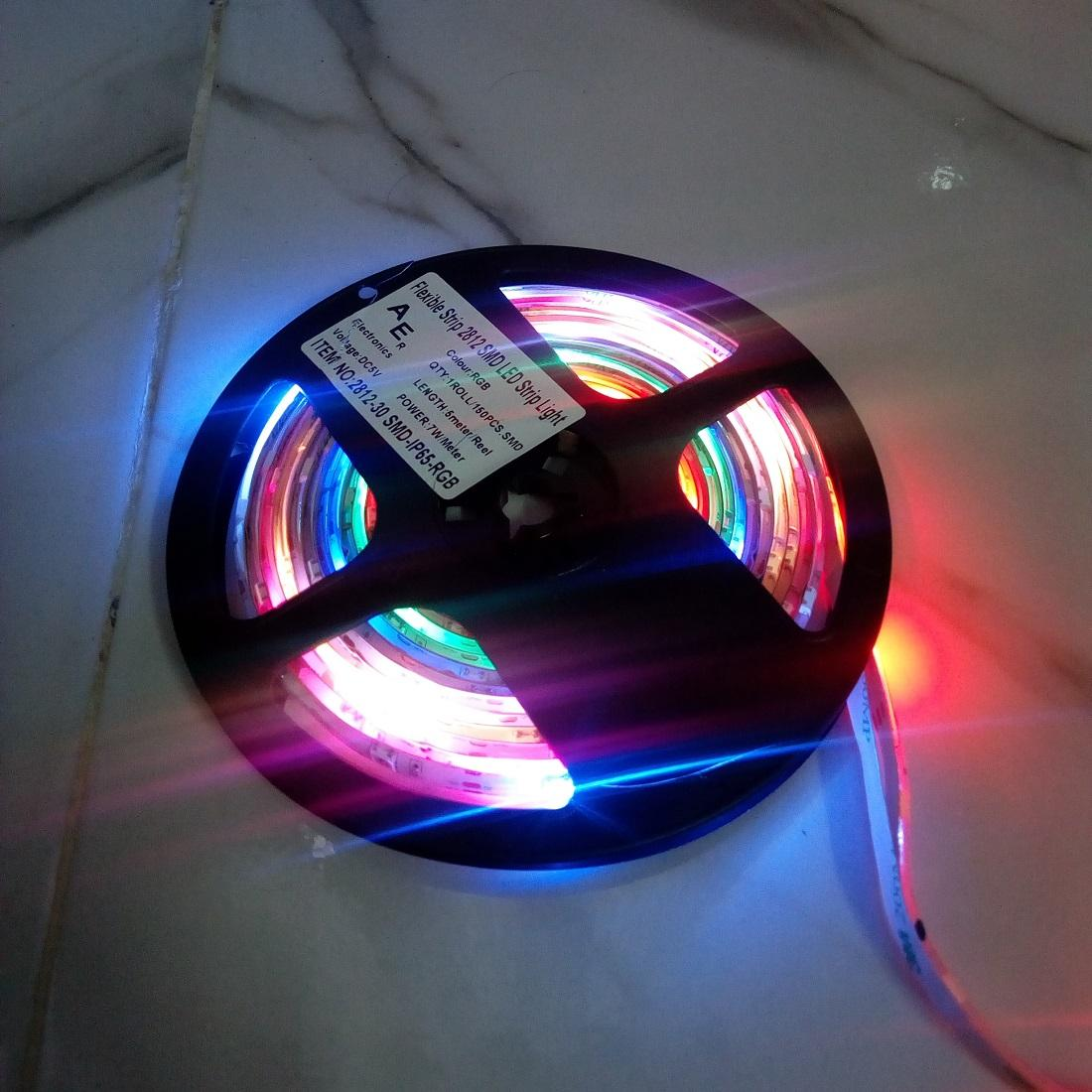 Waterproof IP65 5V Ws2812B Rgb Addressable Decoration Led 5 meter Strip  With Adapter