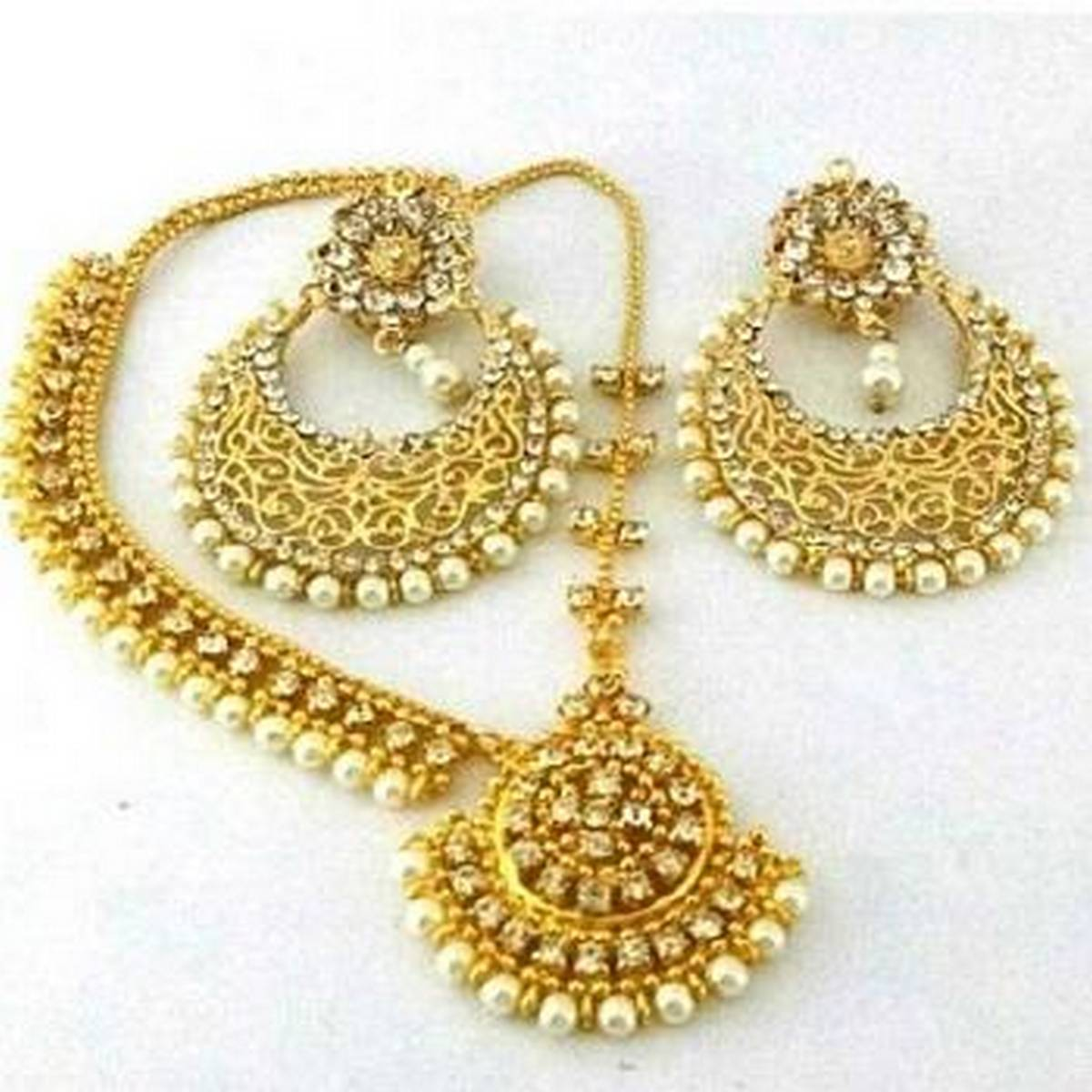 Pearl Earrings With Matha Patti - Golden